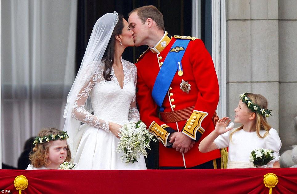 Baiser royal de Kate et William