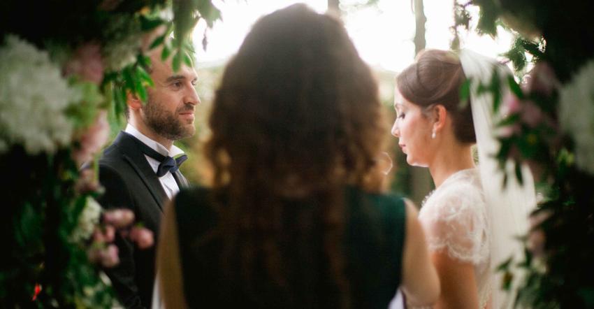 choisir-officiant-ceremonie-laique-mariage