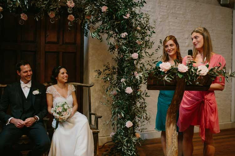 cérémonie laïque disposition mariés face aux invités